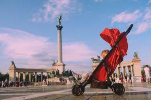 wygodny wózek spacerowy na wakacje